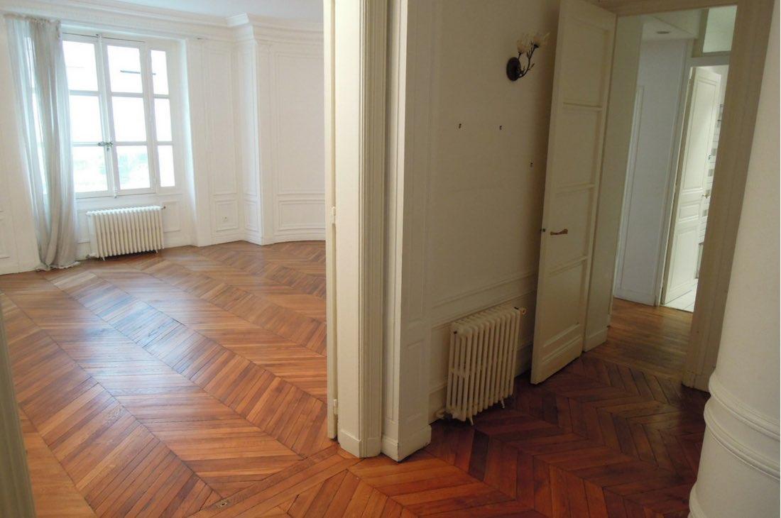 Comment isoler son plancher en rez-de-chaussée ? Paris et Lyon