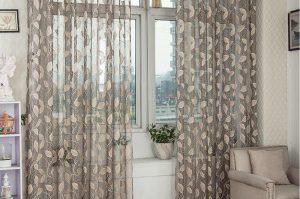 Habiller ses fenêtre avec des rideaux transparents