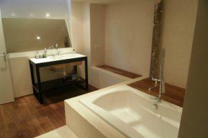 pièce aveugle : salle de bain